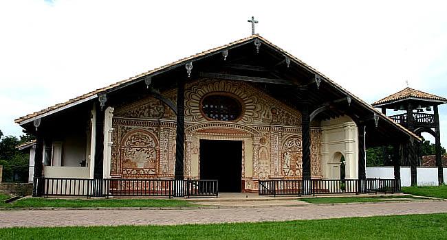 Resultado de imagen de iglesia de san rafael de velasco, bolivia